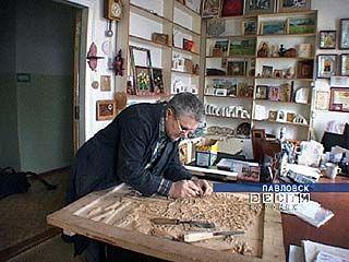 Удивительные экспонаты из дерева появляются в Павловске