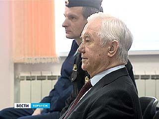 Уголовное дело в отношении Владимира Кулакова и его бывшего заместителя не закроют - суд отказал