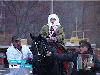 Уникальная певица из Воробьевки получила на юбилей концерт и выставку