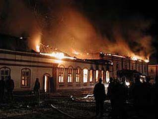 В Боброве сгорела кровля школы-интерната