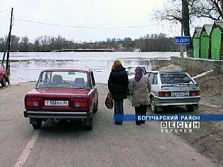 В Богучарском районе демонтирован понтонный мост через Дон