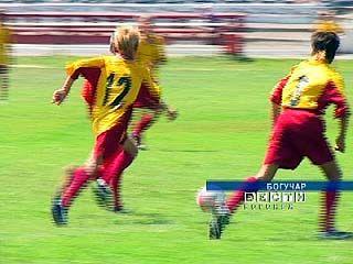 В Богучарском районе стартовали футбольные баталии среди юниоров