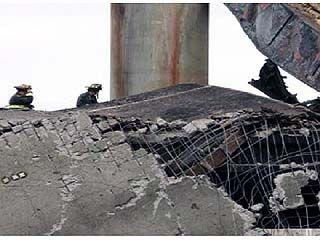 В Борисоглебске обрушился автомобильный мост, ведущий через реку Ворона