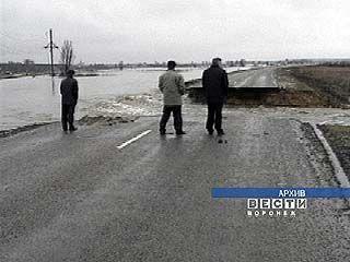 В Бутурлиновке пришлось полностью перекрывать русло реки Осередь
