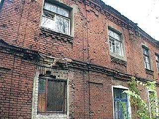В доме ╧ 167 не могут дождаться ремонта