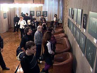 """В Доме актера открылась выставка """"36 кадров"""""""