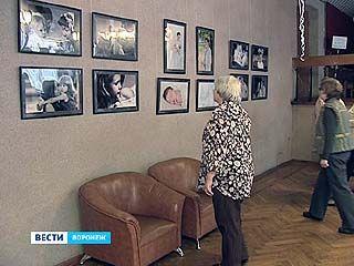 """В Доме актера открылась выставка под названием """"Сердце мое"""""""
