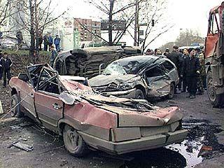 В ДТП раздавило два легковых автомобиля