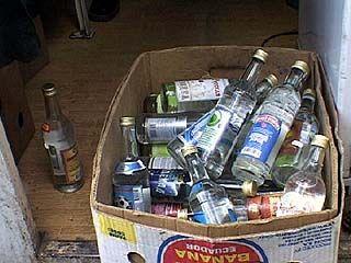 В ходе рейда выявлено 24 бутылки фальшивой водки