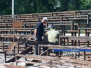 В Калаче ударными темпами реконструируют стадион