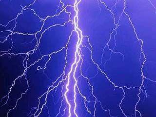 В Калачеевском районе женщина выжила после удара молнии