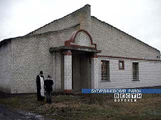 В Клеповке колхозная столовая преображается в храм