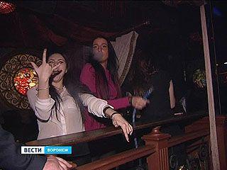 В клубах Воронежа задержали 19 человек с подозрением на наркотическое опьянение