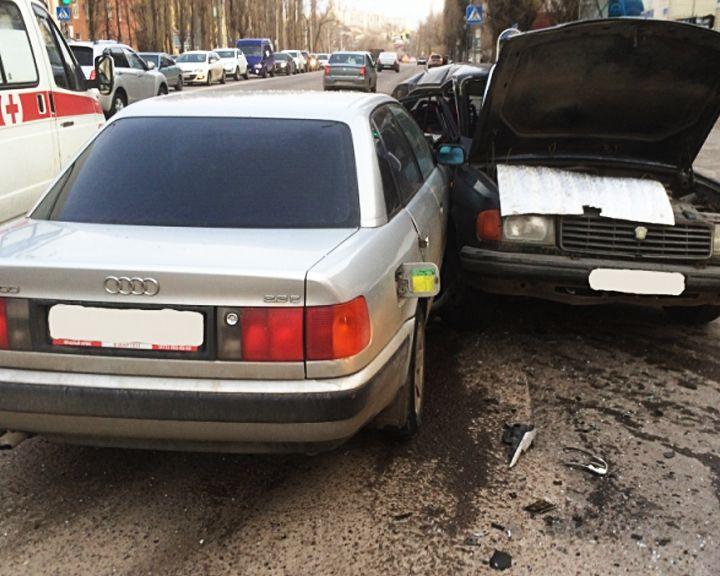 В крупном ДТП в Воронеже восьмилетняя девочка серьёзно повредила позвоночник