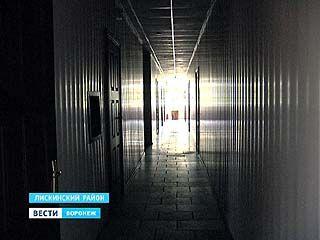 В Лисках одну из крупнейших управляющих компаний отключили от электричества за долги