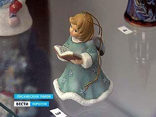 В Лисках открыли русско-канадскую колокольную выставку