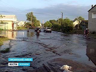 В Лисках поток навоза размыл несколько городских дорог
