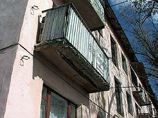 В Лисках заменят все старые балконы