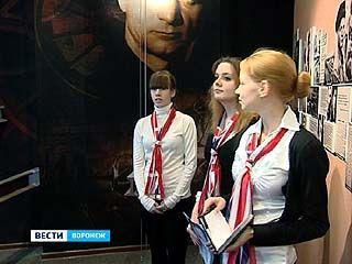 В Музее имени Никитина экскурсии теперь будут проводить и на английском языке