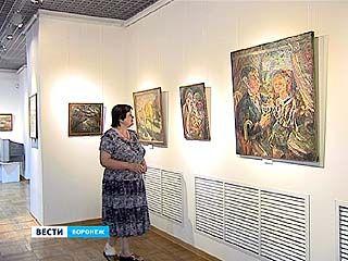 "В Музее Крамского работает выставка Юрия Петкевича ""С птицей на голове"""