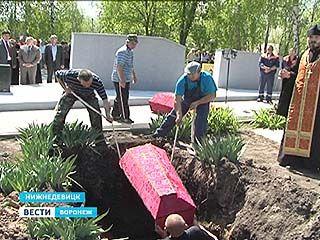 В Нижнедевицке перезахоронены останки 51 советского воина