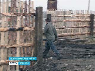 В Новоусманском районе мужчина набирал сотрудников на работу побоями и угрозами