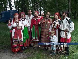"""В Новой Усмани завершился традиционный фольклорный фестиваль """"На троицу"""""""
