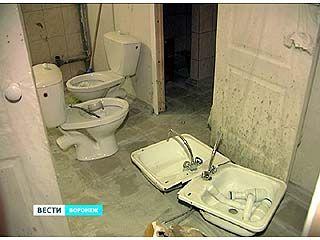 В общежитии на Ростовской всё же установили унитазы