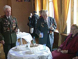 В оперном театре поздравили ветеранов ВОВ