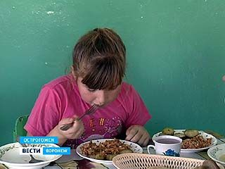 В Острогожской школе-интернате детей чуть не накормили кашей с мышиным пометом
