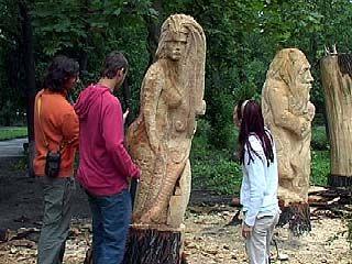 В Парке авиастроителей завершено создание сказочных скульптур