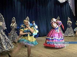 В Петропавловке гастролируют лискинские артисты