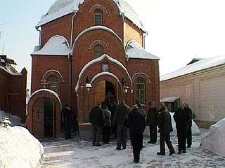 В Подгоренском районе появился священник-самозванец