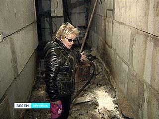 В подвалах новостроек на Московском проспекте регулярно засоряется канализация