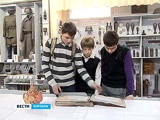 В подвале одной из воронежских гимназий обнаружились архивы о генерале Лизюкове