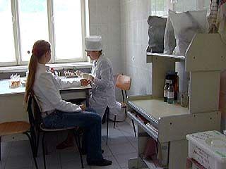 В поликлинике ╧3 кровь у детей принимал неадекватный лаборант