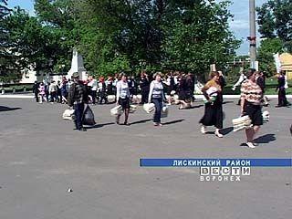 В поселке Давыдовка Лискинского района наводили порядок