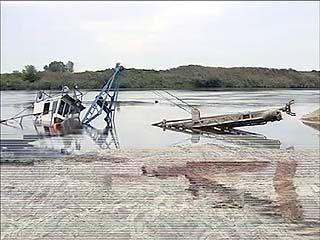 В Рамонском районе в Дону утонул земснаряд