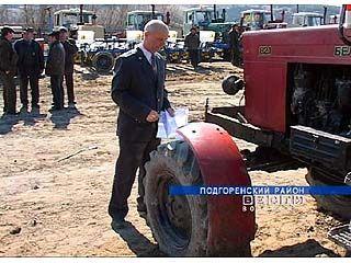 В районах области проводят ТО тракторов и комбайнов