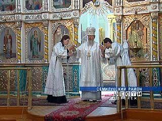 В селе Девица митрополит Сергий провел божественную литургию