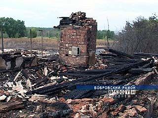 В селе Мечётка Бобровского района опять вспыхнул пожар