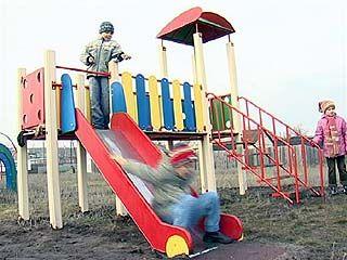 В селе Никольское появилась современная детская площадка