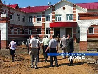 В селе Шувалов Павловского района строят новую школу