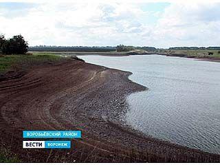 В селе Затон Воробьевского района спускают пруд