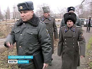 В Семилуках охранять порядок полицейским теперь помогают добровольцы-казаки
