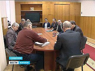 В Семилуках продолжают выбирать градоначальника