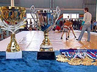 В Семилуках состоялся турнир по самбо памяти Сергея Антипова