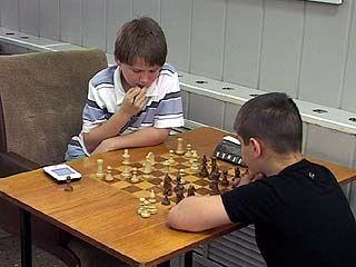 В шахматном клубе прошел матч между школьниками из Воронежа и Чикаго