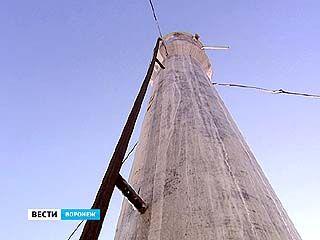В школе ╧96 мороз сковал водонапорную башню, которая питает здание