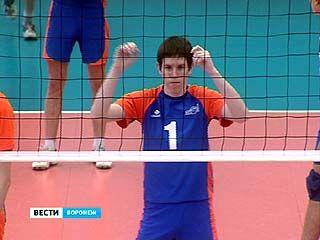 """В спортивном комплексе """"Факел"""" завершилось первенство области по волейболу"""